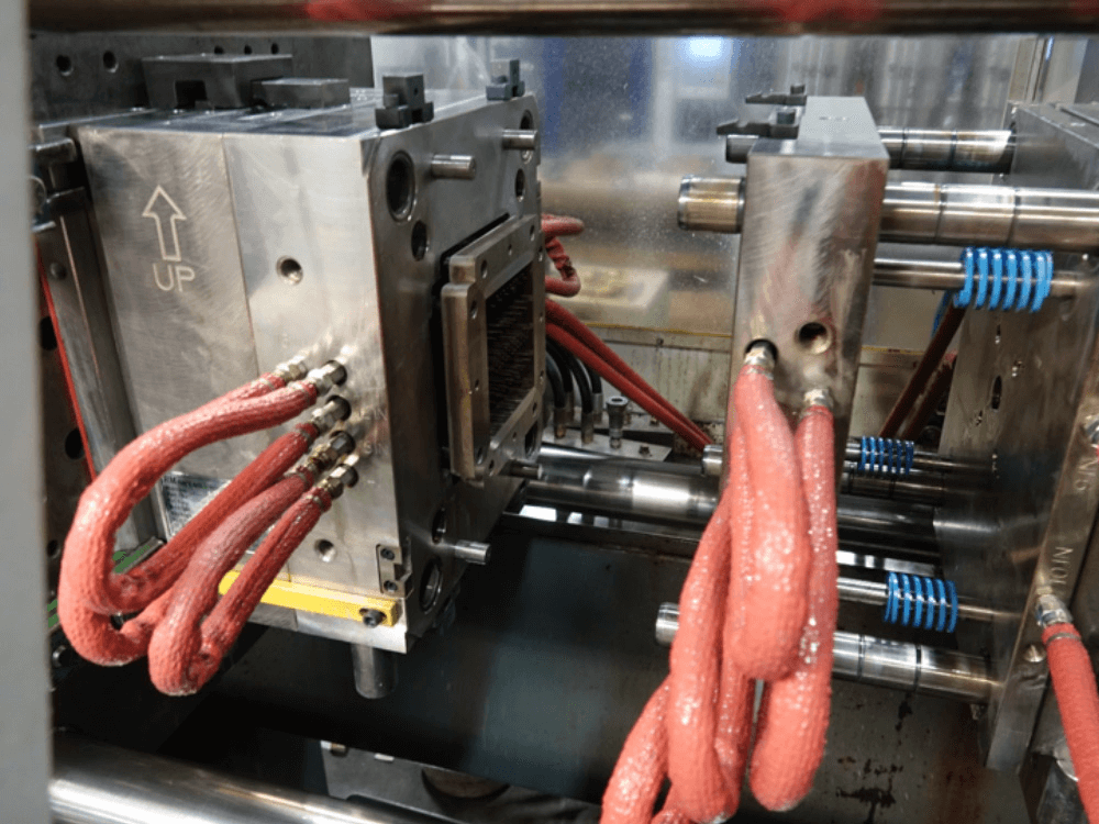 Machine de moulage par injection | Aéro-plastiques